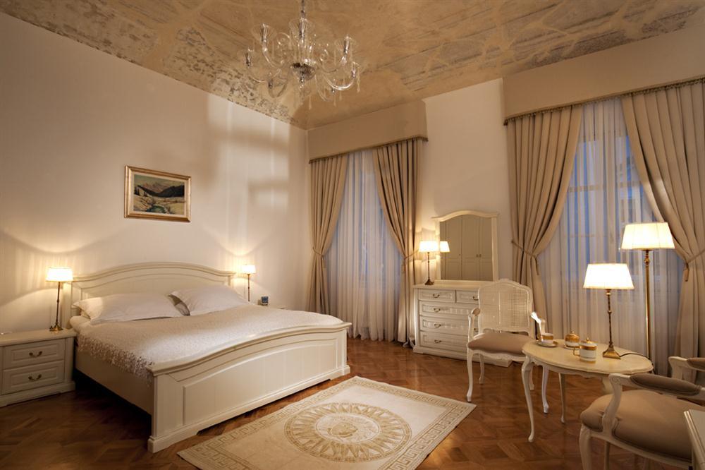 Master Bedroom Hotel master bedroom hotel style bedrooms interiors modern interior